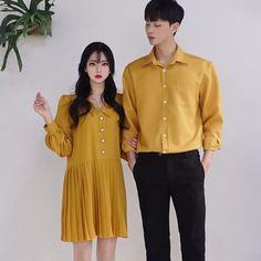 or 🌼🌼 𝚂𝙴𝙾𝚄𝙻 𝚂𝙿𝚁𝙸𝙽𝙶 𝚂𝚃𝚈𝙻𝙴 -. or 🌼🌼 𝚂𝙴𝙾𝚄𝙻 𝚂𝙿𝚁𝙸𝙽𝙶 𝚂𝚃𝚈𝙻𝙴 - 𝚃𝙷𝙴𝙼𝙴: 𝙲𝙾𝚄𝙿𝙻𝙴 𝙼𝙰𝚃𝙲𝙷𝙸𝙽𝙶 𝚈𝙴𝙻𝙻𝙾𝚆 𝙵𝙾𝚁𝙼𝙰𝙻 🌼🌻 Korean Fashion School, Korean Fashion Summer, Korean Fashion Casual, Ulzzang Fashion, Korea Fashion, Korean Outfits, Asian Fashion, Punk Fashion, Matching Couple Outfits