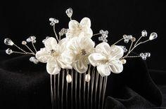 Flower and crystal bead hair comb | Tradesy Weddings