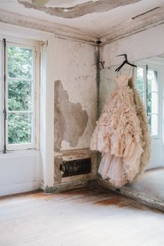 Blush pink ruffled gown at Jane & Jeff's Alder Manor Wedding | Sweet Little Photographs
