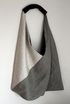 Bag Patterns To Sew, Sewing Patterns, My Bags, Purses And Bags, Triangle Bag, Origami Bag, Diy Tote Bag, Linen Bag, Denim Bag