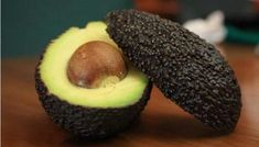Is your avocado too hard? Learn how to ripen a rock hard avocado in just 10 minutes. A super easy trick you can't miss! Ripen an avocado fast! Hard Avocado, Avocado Guacamole, How To Ripen Avocados, Cooking Tips, Cooking Recipes, Avocado Recipes, Superfood, Mexican Food Recipes