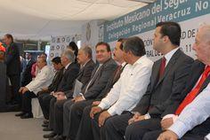 El Gobernador de Veracruz, Javier Duarte de Ochoa, asistió a la Colocación de la primera piedra de la ampliación y remodelación de los servicios de urgencias del Hospital General de Zona número 11 del IMSS, el 22 de diciembre de 2010, donde se reconoció la noble labor del organismo en la búsqueda de una vida mejor para las familias del estado.