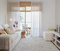 Environments with modern curtains - Decoration, Architecture, Construction, Furniture and decoration, Home Deco Small Living Room Layout, Simple Living Room Decor, Living Room Furniture Layout, Small Living Rooms, Home Living Room, Apartment Living, Living Room Designs, Small Apartment Decorating, Apartment Design