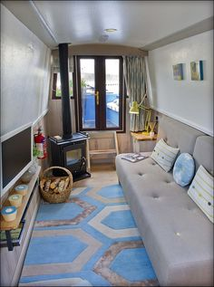 Leamington Wharf showboat provides a gorgeous, conventional twist on a houseboat that I simply adore!