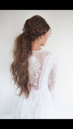 i would actually love to look like this on my wedding day hair and dress