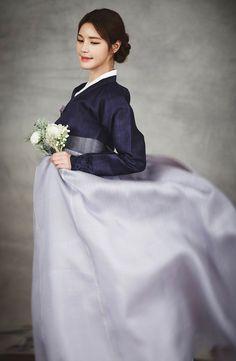 Korean Fashion – How to Dress up Korean Style – Designer Fashion Tips Korean Traditional Clothes, Traditional Fashion, Traditional Dresses, Korean Fashion Trends, Korea Fashion, Asian Fashion, Korean Dress, Korean Outfits, Hanbok Wedding