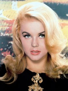 Choose your favorite ann-margret photographs from millions of available designs. All ann-margret photographs ship within 48 hours and include a money-back guarantee. Old Hollywood Glamour, Hollywood Stars, Classic Hollywood, Divas, Playboy, Ann Margret Photos, Viejo Hollywood, John David, Faye Dunaway
