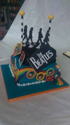 My amazing Beatles cake for my 18th birthday, absolutely phenomenal I think you'll all agree!