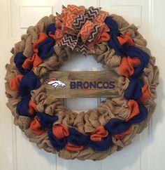 Denver Broncos wreath Denver Broncos burlap wreath by WandNDesigns Broncos Wreath, Football Team Wreaths, Sports Wreaths, Football Parties, Football Food, Diy Wreath, Wreath Ideas, Wreath Making, Wreath Crafts