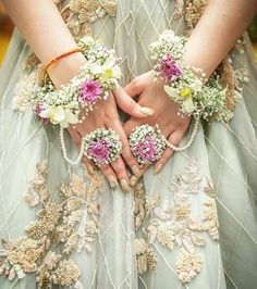 Floral jewellery adorns the beauty of a bride. Floral jewellery by Indian Wedding Jewelry, Indian Bridal, Indian Weddings, Indian Jewelry, Rustic Weddings, Sparkle Wedding, Floral Wedding, Wedding Colours, Flower Jewellery For Mehndi