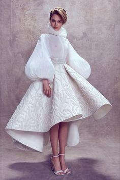Ashi Studio Beirut - Haute Couture Fall Winter - Shows - Vogue. Fashion Details, Look Fashion, High Fashion, Fashion Show, Fashion Design, Covet Fashion, Couture Dresses, Bridal Dresses, Fashion Dresses