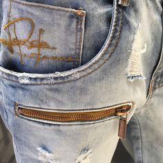 O jeans mais amado do Brasil!  #lplovers #lancaperfume #winter15  Disponível na eshop.lancaperfume.com.br Ref. 195417