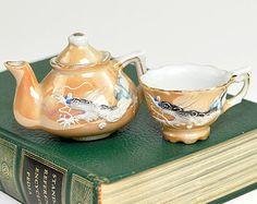 Tetera de porcelana japonesa Moriage miniatura y taza de Té - levantaron tradicional del dragón, pintura naranja brillo - Vintage Colección pintada a mano