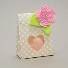 Filz-Dekoration für kleine Geschenkschachtel. Mitmachen und Schachtel gewinnen: www.der-schachtel-shop.de/blog