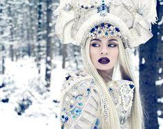 queen of winter snow Romantic Photography, Fantasy Photography, Fashion Photography, Winter Photography, Snow Queen, Ice Queen, Frozen Queen, Mode Russe, Portfolio Pictures