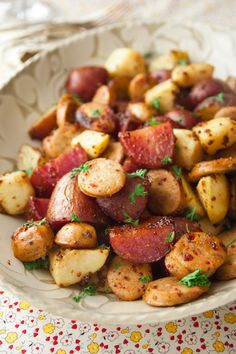 Roasted Potatoes with Apples, Sausage and Maple Mustard Glaze! totes subbing sausage for Field Roast apple sage sausage :) Sausage Recipes, Potato Recipes, Pork Recipes, Cooking Recipes, Healthy Recipes, Barbecue Recipes, Potato Dishes, Food Dishes, Main Dishes