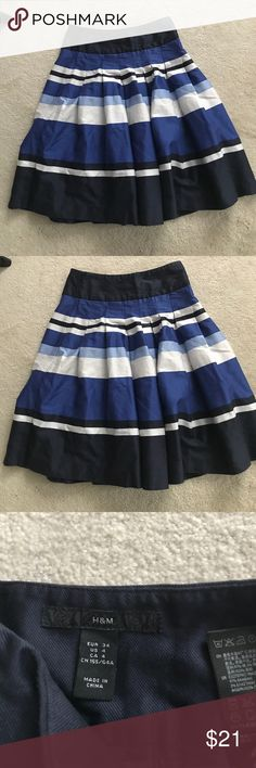 """Nice Blue short. H & M pleated skirt Nice lined skirt . Side zipper.measures 22"""" in length. Waist is 13 1/4"""". In excellent condition. h & m Skirts Mini"""