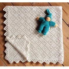 Ravelry: Victoriasvøbet pattern by Marianne Knorborg/Markno Design Crochet Baby, Knit Crochet, Knit Patterns, Ravelry, Diy And Crafts, Crochet Necklace, Kids Rugs, Plaid, Blanket