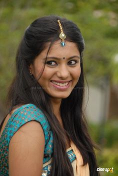 India People, Face Photo, Smile Face, Indian Girls, Indian Actresses, Celebrities, Hair Styles, Image, Beauty