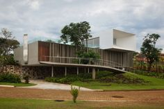 Piracicaba House – Isay Weinfeld