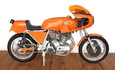 1974 LAVERDA 750 SFC STREET LEGAL PRODUCTION ROAD RACER Frame no. 17160 Engine no. 17160 | US$ 60,000 - 70,000 £40,000 - 46,000. MEGADELUXE