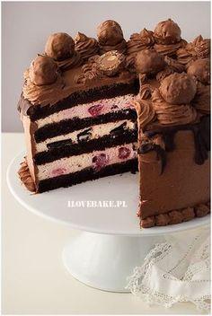 Cream cake with fruit and chocolate - I Love Bake Cream Cake, Chocolate Cake, Oreo, Cake Recipes, Birthday Cake, Cooking Recipes, Tiramisu, Sweets, Fruit