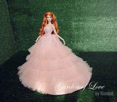 Robe pour la royauté de la mode Poppy Parker rose par Rimdoll