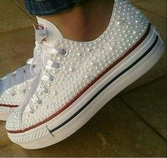 All Star Salto, Quinceanera Shoes, Mermaid Sweetheart, Here Comes The Bride, Kenya, Converse Chuck Taylor, Stars, Wedding Dresses, Nike Shies