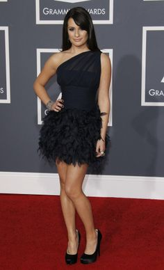 I love the woman and the dress <3