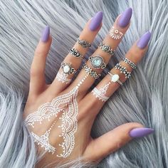 Rings, purple nails and white henna tattoo White Henna Tattoo, Henna Tattoos, Henna Tattoo Designs, Wrist Tattoos, Henna Designs White, Gold Henna, Tattoo Ideas, Black Henna, Dope Tattoos