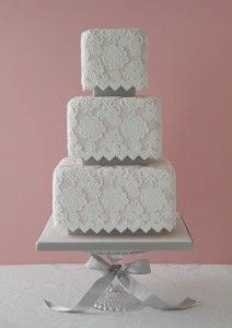 Vintage Wedding Cake Pictures - Pink Vintage Lace Wedding Cake Love the square tiers! Beautiful Wedding Cakes, Gorgeous Cakes, Pretty Cakes, Amazing Cakes, Dream Wedding, Purple Wedding, Gold Wedding, Cake Wedding, Wedding Bride