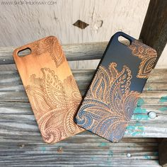 #paisley #wood #engraved #milkywaycases WWW.SHOP-MILKYWAY.COM Ceramic Decor, Ceramic Plates, Pantry Organisation, Photo Engraving, Hand Built Pottery, Wood Router, Centerpiece Decorations, Wood Cutting, Wooden Crafts