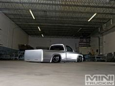 2000 Dodge Dakota R/T - Custom Dodge Trucks - Mini Truckin' Magazine