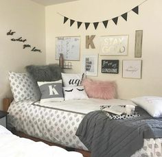 Obsessed with this bedding from dormify and looove the bed tray for coffee and homework in bed! #Cozy #DormLiving
