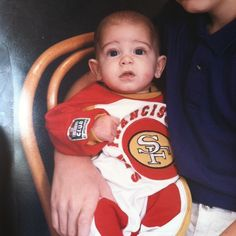 #throwback to Day 1 Even back then I was reppin the Niners. #49erFaithful  Anyone out there still 49er Faithful with me?   It's funny to see how many people fade away when things are going bad... this actually applies more than just sports... this happens in our lives as well. Once things start getting hard and shit starts to hit the fan... people will start to fade.  Don't get discouraged instead focus on being consistent.  If we always go where everybody else goes then when things start to…