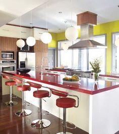 Une cuisine aux couleurs pimpantes © TVA Publications | Yves Lefebvre #deco #cuisine