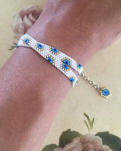 off loom beading stitches Beaded Braclets, Bead Loom Bracelets, Beaded Bracelet Patterns, Beaded Earrings, Beading Patterns, Beading Ideas, Beading Supplies, Bangle Bracelet, Loom Bracelets