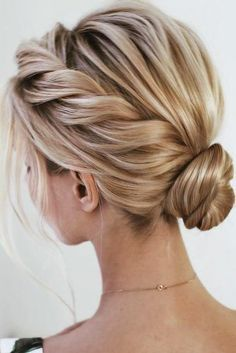 Homecoming Hairstyles For Short Hair - Hair styles - Amigurumi , Crochet , Knitting Prom Hairstyles For Short Hair, Braids For Short Hair, Short Hair Styles, Semi Formal Hairstyles, Bob Updo Hairstyles, Casual Updos For Long Hair, Prom Hair Bun, Bridesmaid Hair Updo, Messy Braids