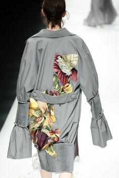 BST mới của NTK Công Trí tại Tokyo Fashion Week: Trước cái đẹp, bạn chỉ còn biết Wow lên một tiếng!!! - Ảnh 23.