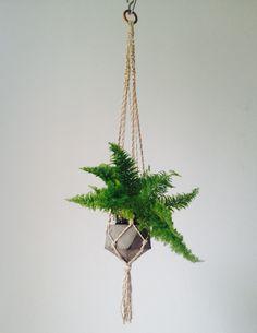 Hanger com vaso de cimento geométrico