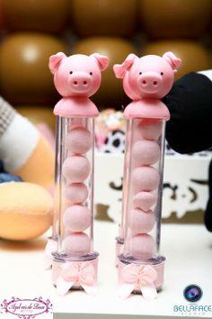 piggies Pig Party, Farm Party, Felt Crafts Diy, Clay Crafts, Farm Birthday, Birthday Parties, Party Gifts, Party Favors, Glass Flask