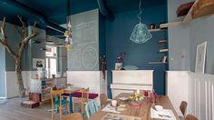 Interior designer Tommaso Guerra has designed a cat cafe named Romeow Cat Bistrot, located in Rome, Italy. Restaurant Interior Design, Commercial Interior Design, Cafe Interior, Commercial Interiors, Bureau Design, Cool Cafe, Italy Restaurant, Space Interiors, Minimalist Furniture