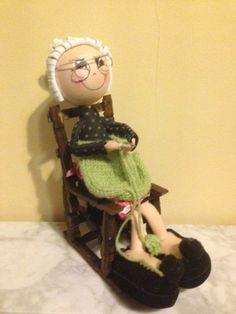 Como hace tanto frío le dijimos a la abuelita que nos hiciera un jersey de lana!!!!