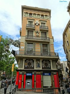 La Rambla - Pla de la Boqueria - Casa Bruno Cuadros, Barcelona, Modernisme a Catalonia