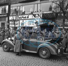 Prague, November Karl Hermann Frank oversees the march of SS-Totenkopf at Wenceslas Square. Prague Architecture, Prague Photos, Prague Czech, World War Two, Czech Republic, West Virginia, Time Travel, Old Photos, Wwii