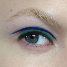 Awesome beauty inspiration, we love this blue and green eyeliner! #limedrop #beauty #inspo