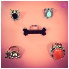 Tem de coruja, elefante, osso e pedras. cada anel mais lindo que o outro! #Vemprazas