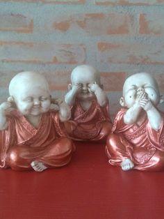 Baby Buddha, Buddha Zen, Zen Wallpaper, Funny Good Morning Images, Decoupage, Lion Sculpture, Plaster Crafts, Diy And Crafts, Buddha Decor