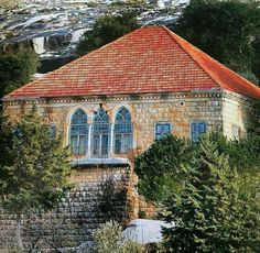 The traditional view of the mountains whether in an old photograph or . Humble House, Architecture, Building Design, Olive Tree Painting, Traditional Architecture, Traditional House, House Painting, Beirut, Old Houses