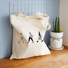 Creamy White Canvas Tote Bag with Zippered - Cute Tote Bags - Unique Pattern Tote Bag - Gift Idea fo Reusable Shopping Bags, Reusable Bags, Tod Bag, Sac Tods, Tote Bags Handmade, Cute Tote Bags, Creation Couture, Canvas Shoulder Bag, Shoulder Bags